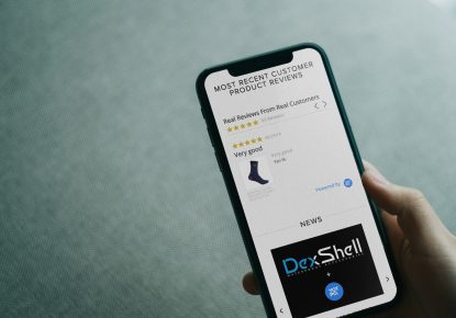 Dexshell Yotpo review on a mobile device